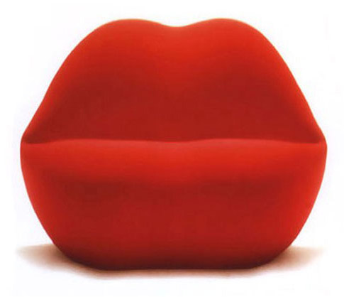 Nyambura.co - Besame Lounge Chair